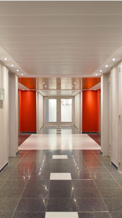 Lighting circulation areas effectively with Philips office lighting