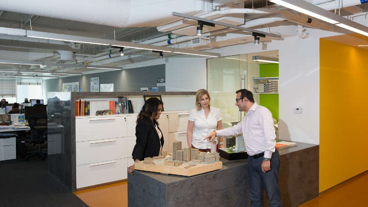 Philips LED Lighting and Dynalite controls for HOK regional office in Dubai